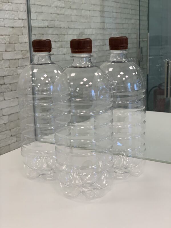 Бутылка 1л прозрачная с крышкой